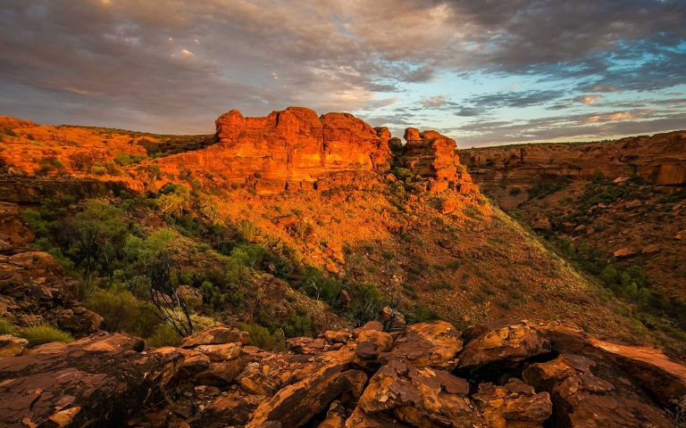 Australia-NT-Kings-Canyon-philippe-wuyts-_h7aBovKia4-unsplash