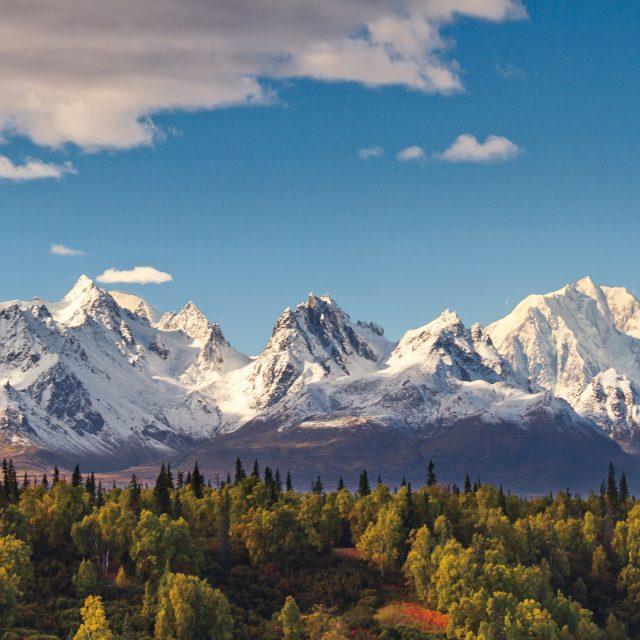 Alaska 13 Day Yukon + Triple Denali clear view of Mt.McKinley in Autumn season,Alaska.