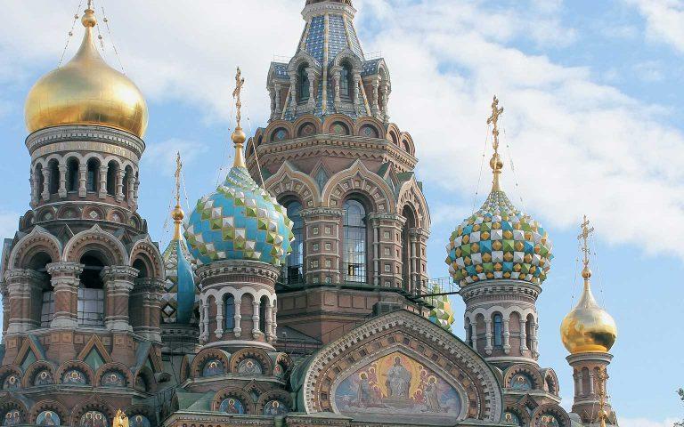 Russia-St-Petersburg-2-dusan-veverkolog-vPFAPO_OCyI-unsplash
